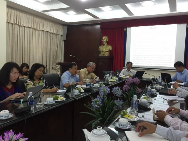 TS Nguyễn Đức Nghĩa, Phó Giám đốc ĐH Quốc gia TPHCM phát biểu tổng hợp ý kiến của các đại biểu