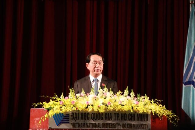 Chủ tịch nước Trần Đại Quang phát biểu trước 1.000 sinh viên tại Lễ Khai khóa của ĐHQG TPHCM sáng nay 3/10.