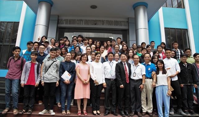 Sinh viên nhận học bổng chương trình liên kết quốc tế với Đại học Mỹ Hòa
