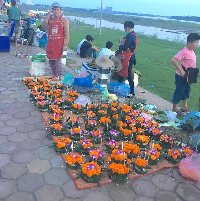 Lễ hội đua thuyền trên dòng sông Mê Kông - 2