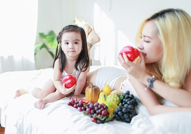 Minh Phượng đã nhiều lần đoạt Huy chương vàng, Cúp vàng ở các giải thi đấu belly dance trong và ngoài nước. Hai thành tích mà cô tự hào là: Vô địch giải belly dance Châu Á Thái Bình Dương và lọt vào Bán kết cuộc thi Vietnams got talent mùa thứ 3.