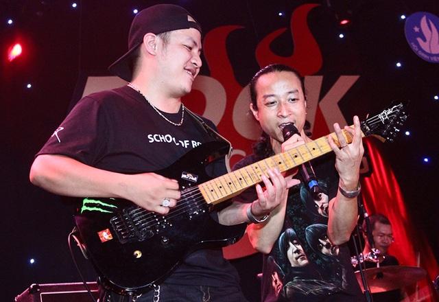 Nhóm nhạc Cát cũng góp mặt trong đêm nhạc này với những ca khúc riêng của nhóm và của huyền thoại Trần Lập.