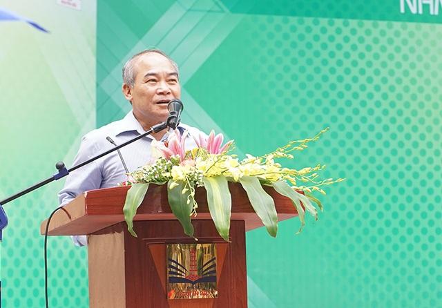 Nguyễn Vinh Hiển – Thứ trưởng Bộ Giáo dục và Đào tạo phát biểu tại lễ phát động cuộc thi Giải toán qua mạng ViOlympic năm học 2016-2017.