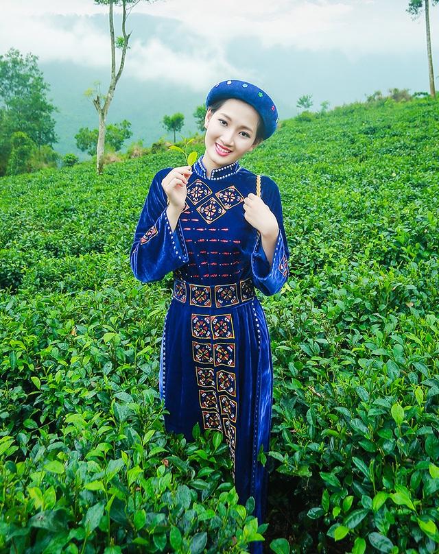 Tạ Mai Linh - SV Đại Học Thương Mại