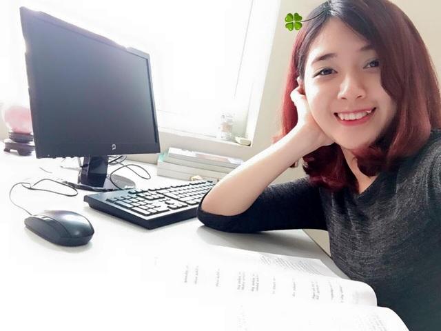 Sau khi kết hôn, Hà Min cũng không còn tham gia các hoạt động nghệ thuật nữa mà trở thành một nữ nhân viên văn phòng. Đây có lẽ là một sự lựa chọn an toàn và dễ hiểu khi Hà Min vốn thuộc tuýp người tình cảm và luôn hướng về gia đình.