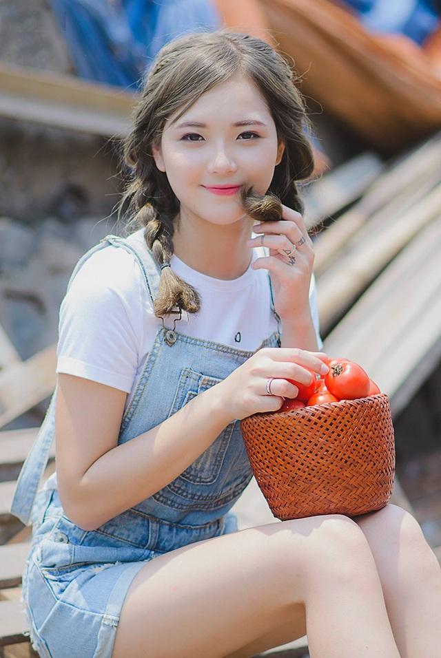 """Ngắm nụ cười trong vắt của """"hot girl dân tộc"""" Thu Hương - 11"""