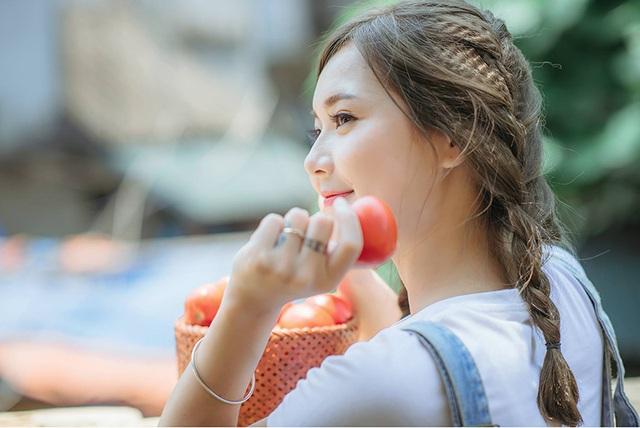 """Ngắm nụ cười trong vắt của """"hot girl dân tộc"""" Thu Hương - 15"""