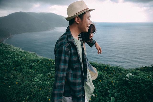 """Bộ ảnh có tên """"Love in Đà Nẵng"""", do nhiếp ảnh Hồng Nguyễn thực hiện, cùng với hai người mẫu là cặp đôi Trang và Huy."""