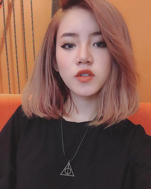 Cô rất chăm chút cho ngoại hình của mình, đặc biệt là mái tóc. Thuỳ Trâm đã biến đổi bản thân với rất nhiều kiểu tóc và màu tóc khác nhau tới mức khó đếm nổi.