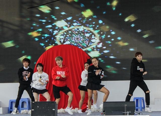 Nhóm nhảy S&C crew gây ấn tượng với khán giả bằng bài thi chuẩn bị khá công phu