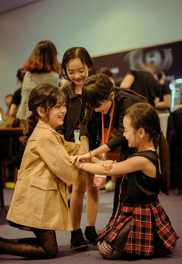 Còn nhỏ nhưng Bảo Anh đã theo học tại lớp đào tạo mẫu nhí của cựu người mẫu Thúy Hằng - Thúy Hạnh bắt đầu từ mùa hè năm ngoái.