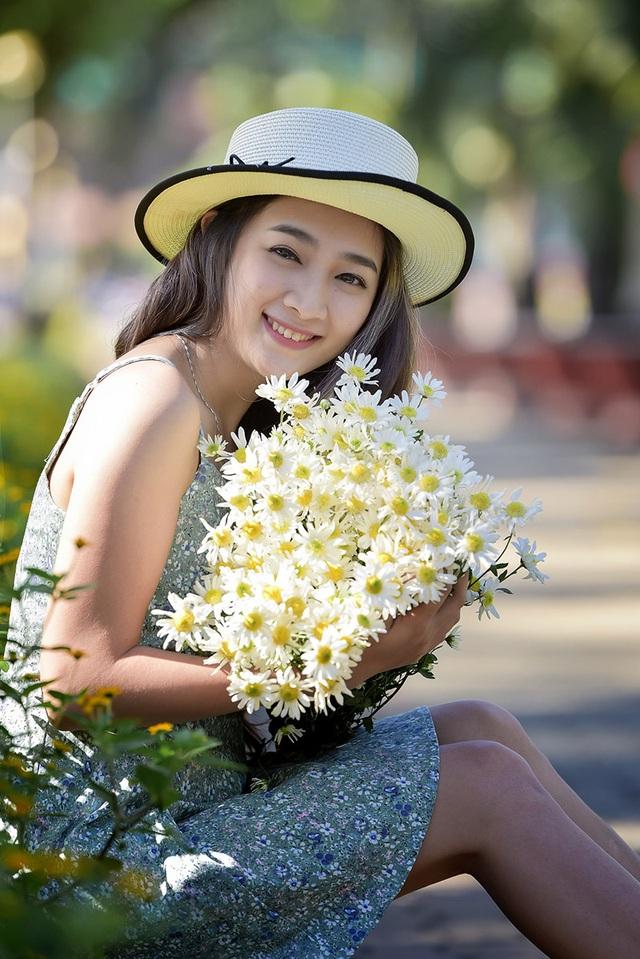 Trần Thị Phương Duy có nick-name là Pé Ba. Cô năm nay 26 tuổi, hiện đang sống tại Sài Gòn.