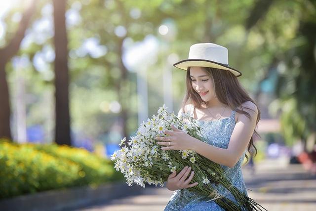 Thiếu nữ Sài thành xinh xắn ước mơ trở thành nghệ sĩ trang điểm - 11