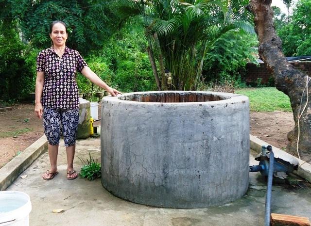 Đã hơn 1 năm nay, nhiều hộ dân ở xã Nhơn Hậu (thị xã An Nhơn) vẫn chưa nhận được tiền hỗ trợ đào, khoan giếng chống hạn theo chủ trương của tỉnh Bình Định