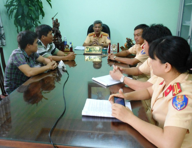 Chiều 23/9, Trạm CSGT Tuy Phước đã mời lái xe và nhà xe Dư Oanh về trụ sở làm việc