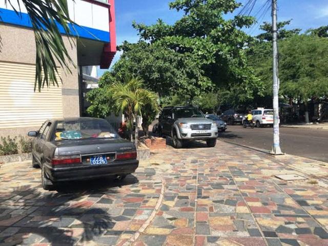 Nhiều xe biển số xanh được thanh lý bán cho các cá nhân, doanh nghiệp nhưng không sang tên, chuyển chủ sở hữu để được ưu tiên khi tham gia giao thông