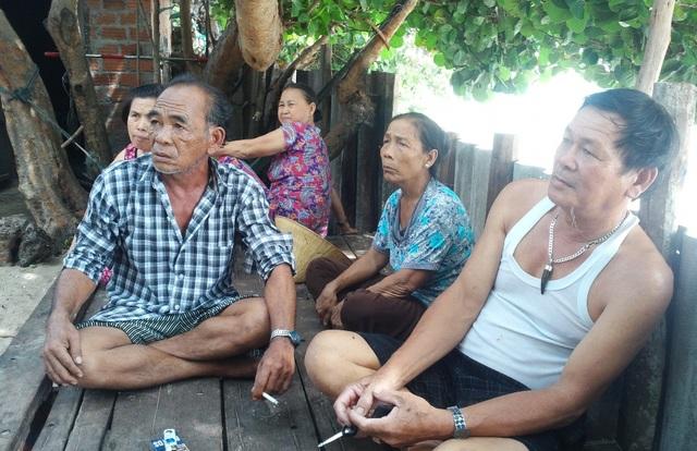 Người dân thôn Trung Lương không di dời đến khu TĐC mới vì xem nhẹ triều cường, phần vì không có tiền xây nhà ở nơi ở mới sẵn sàng đối diện với triều cường đe dọa.