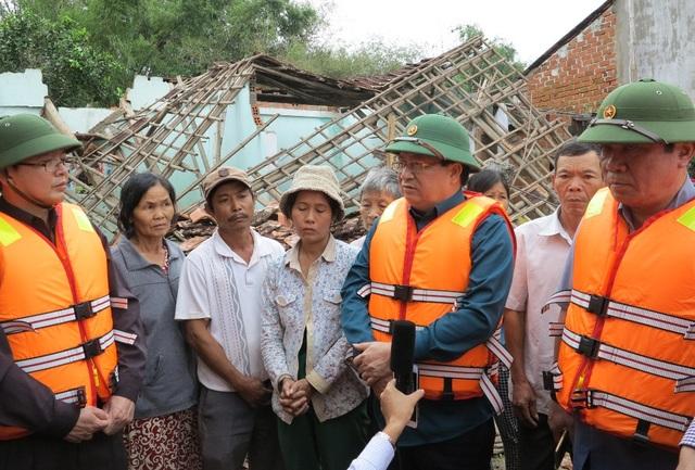 Phó Thủ tướng Chính phủ Trịnh Đình Dũng thăm vùng lũ Bình Định