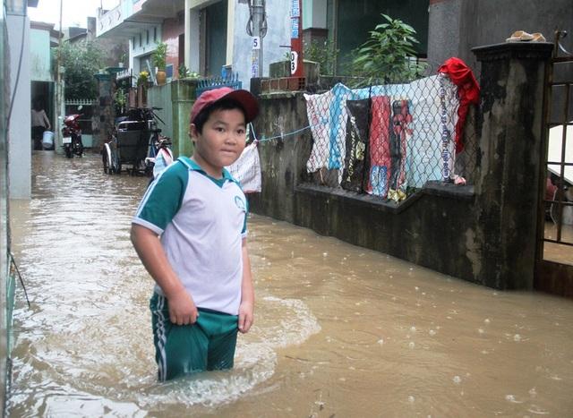 Một học sinh trên đường về nhà
