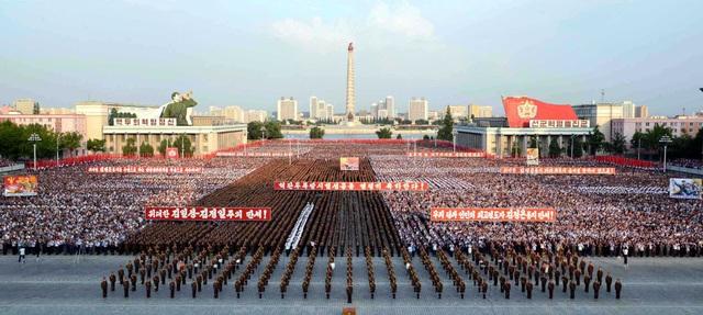 Đài truyền hình quốc gia KRT của Triều Tiên ngày 13/9 đã công bố video về lễ diễu hành nhằm chào mừng sự kiện thử hạt nhân thành công của nước này.
