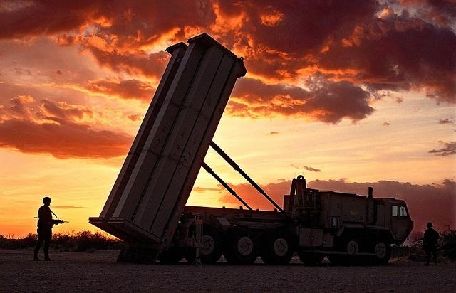 Hệ thống phòng thủ tên lửa tầm cao giai đoạn cuối (THAAD) (Ảnh: Getty)