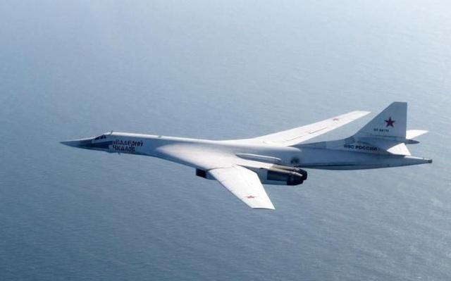 Máy bay ném bom Blackjack của Nga (Ảnh: RAF)