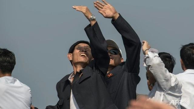 Cuộc triển lãm diễn ra sau khi Bình Nhưỡng tiến hành vụ thử hạt nhân lần thứ 5, cũng là vụ thử lớn nhất từ trước đến nay của nước này hôm 9/9. (Ảnh: AFP)
