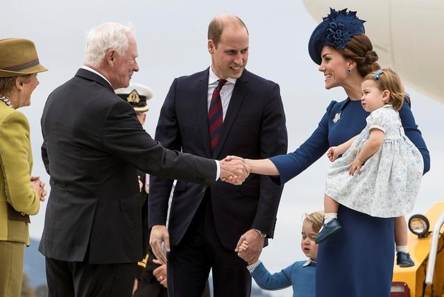 Lịch trình của chuyến công du lần này của gia đình Hoàng tử William và Công nương Kate là thăm quan vùng Yukon, tại đây Công tước và Công nước Cambridge sẽ câu cá, đạp xe, ngắm cảnh và gặp gỡ cộng đồng thổ dân.