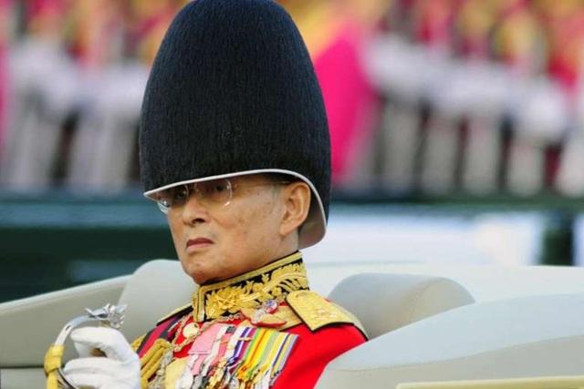 Nhà vua Bhumibol Adulyadej (Ảnh: Bloomberg)