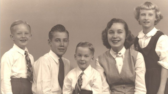 Donald Trump (ngoài cùng bên trái) có hai anh trai, Fred Jr và Robert, và hai chị gái, Maryanne và Elizabeth. (Ảnh: BBC)