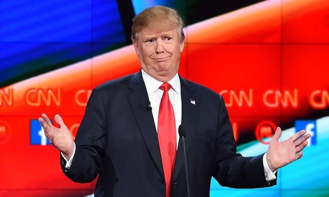 Ông Trump đã từng bước giành thắng lợi trong cuộc chạy đua giành chiếc vé đại diện cho đảng Cộng hòa ra tranh cử tổng thống. Tháng 3/2016, ông bỏ lại phía sau gần như tất cả các đối thủ cùng đảng và thẳng tiến vào Nhà Trắng. Trong ảnh: Ông Trump trong một phiên tranh luận tại Las Vegas (Ảnh: Getty)