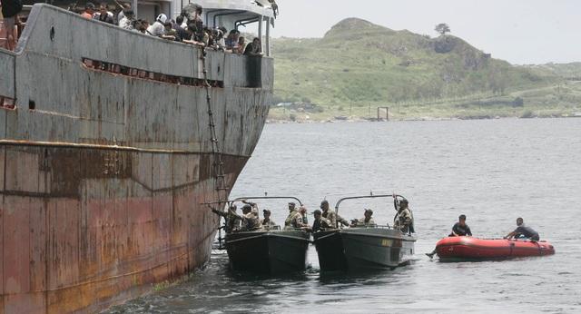 Lực lượng cảnh sát biển và tuần duyên Philippines (Ảnh minh họa: Sputnik)