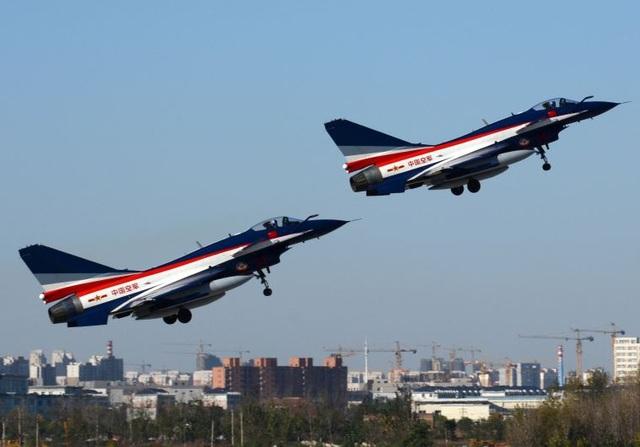 Máy bay chiến đấu J-10 của Không quân Trung Quốc (Ảnh: Reuters)