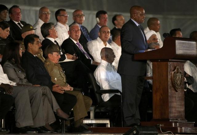 Đại diện cho các nước châu Phi, Tổng thống Nam Phi Jacob Zuma phát biểu tại lễ tưởng niệm lãnh tụ Fidel Castro. Mối quan hệ giữa Nam Phi và Cuba đã được cố Tổng thống Nelson Mandela và cố Chủ tịch Fidel Castro dày công vun đắp từ hàng chục năm trước và vẫn luôn tốt đẹp cho đến tận bây giờ.