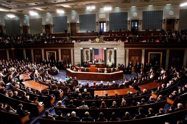 Hạ viện Mỹ bỏ phiếu thông qua dự luật mới (Ảnh: RT)