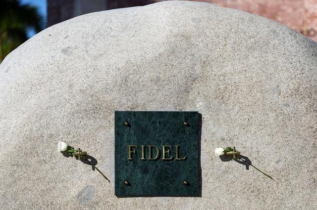 Ngôi mộ đá giản dị của lãnh tụ Cuba Fidel Castro - 7