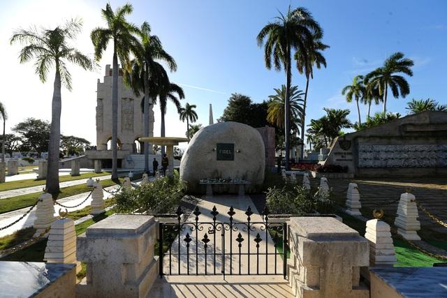 Ngôi mộ đá giản dị của lãnh tụ Cuba Fidel Castro - 8