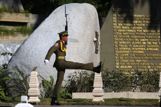 Ngôi mộ đá giản dị của lãnh tụ Cuba Fidel Castro - 5