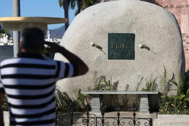 Ngôi mộ đá giản dị của lãnh tụ Cuba Fidel Castro - 12