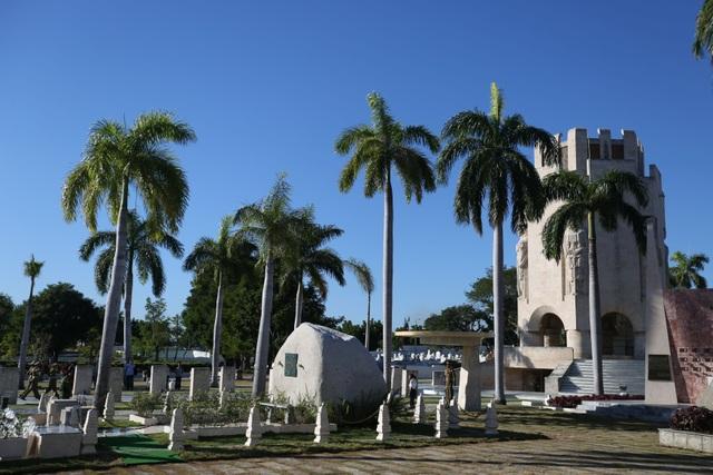 Ngôi mộ đá giản dị của lãnh tụ Cuba Fidel Castro - 10