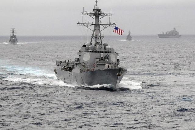Tàu khu trục mang tên lửa dẫn đường USS Lassen của Mỹ (Ảnh: Reuters)