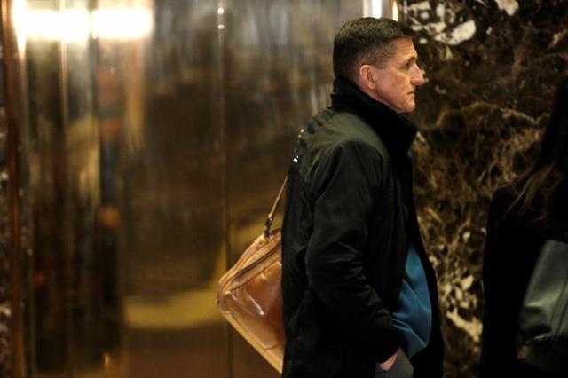 Trung tướng Lục quân về hưu Michael Flynn đã được Tổng thống đắc cử Trump lựa chọn vào vị trí Cố vấn An ninh quốc gia. Ông Flynn từng là giám đốc Cơ quan Tình báo Quốc phòng (DIA) từ năm 2012 đến 2014.