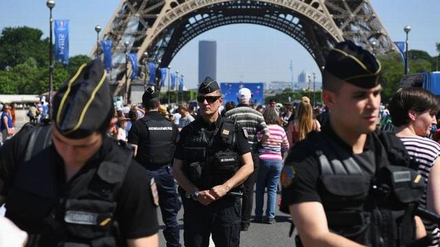 Lực lượng cảnh sát đảm bảo an ninh tại Paris, Pháp (Ảnh: Getty)