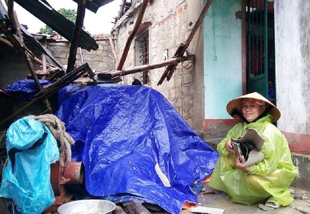 Lốc xoáy đã khiến nhiều căn nhà bị tốc mái