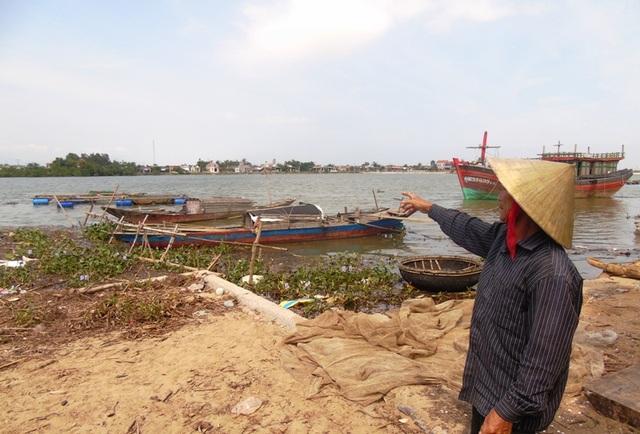 Đã có hơn 60 hộ dân có cá bị chết, trong đó có 5 hộ thiệt hại hoàn toàn.
