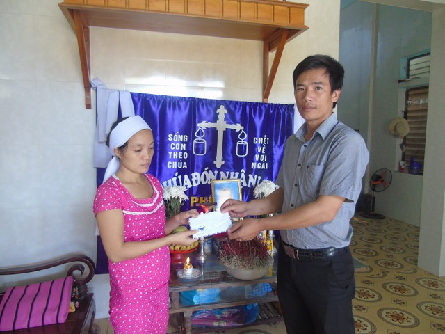 Chia sẻ cùng gia đình em Nguyễn Gia Bảo (SN 2002), tại thôn Hà Lời, xã Sơn Trạch, huyện Bố Trạch, em Bảo đã bị nước lũ cuốn trôi ngay tại nhà của mình