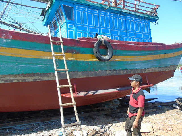 Anh Trần Anh Tuấn đã quyết định nâng cấp tàu cá của mình lên 430CV để có thể đánh bắt xa bờ