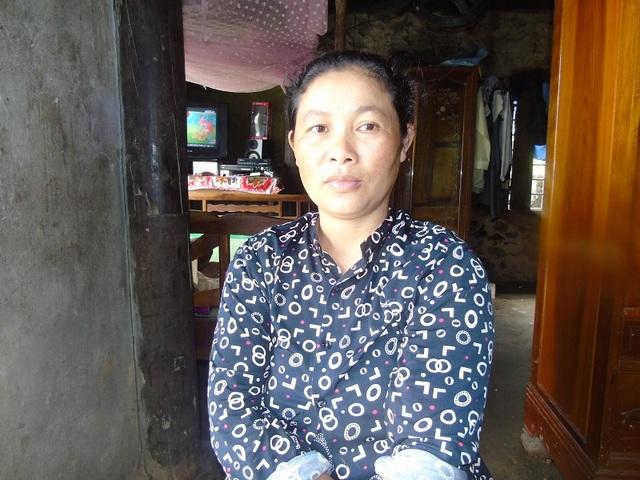 Chị Nguyễn Thị Cúc - mẹ của em Trúc kể lại sự việc.