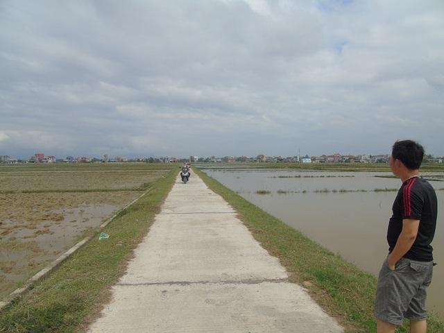 Đường vào phường Quảng Phong, nơi thầy Thủy phát hiện và cứu em Trúc