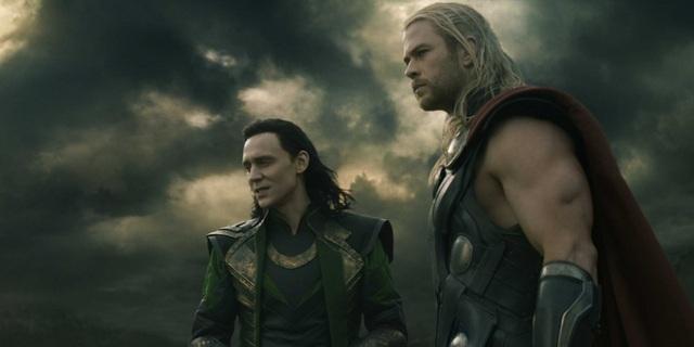 """Tập phim thứ 3 của loạt phim làm về Thần Sấm Thor - """"Thor: Ragnarok"""" - sẽ chứng kiến sự trở lại của Thor (Chris Hemsworth) và Loki (Tom Hiddleston), cùng Hulk (Mark Ruffalo)."""